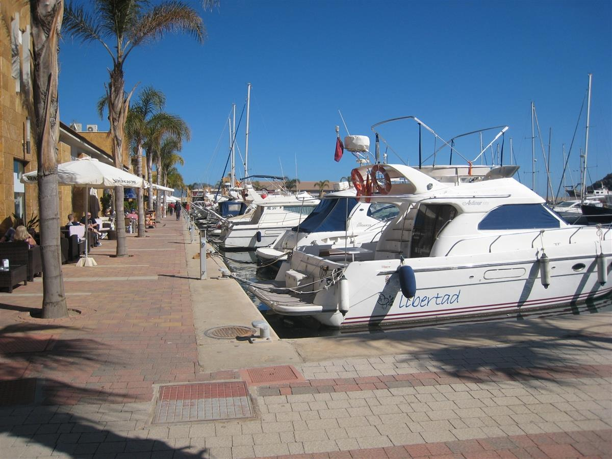 Restaurants and bars at Puerto de Mazarron