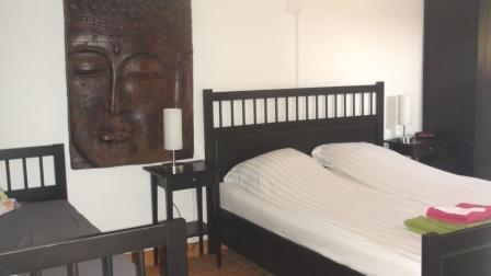 Bedroom apartment La Luna with double bed and sofa bed