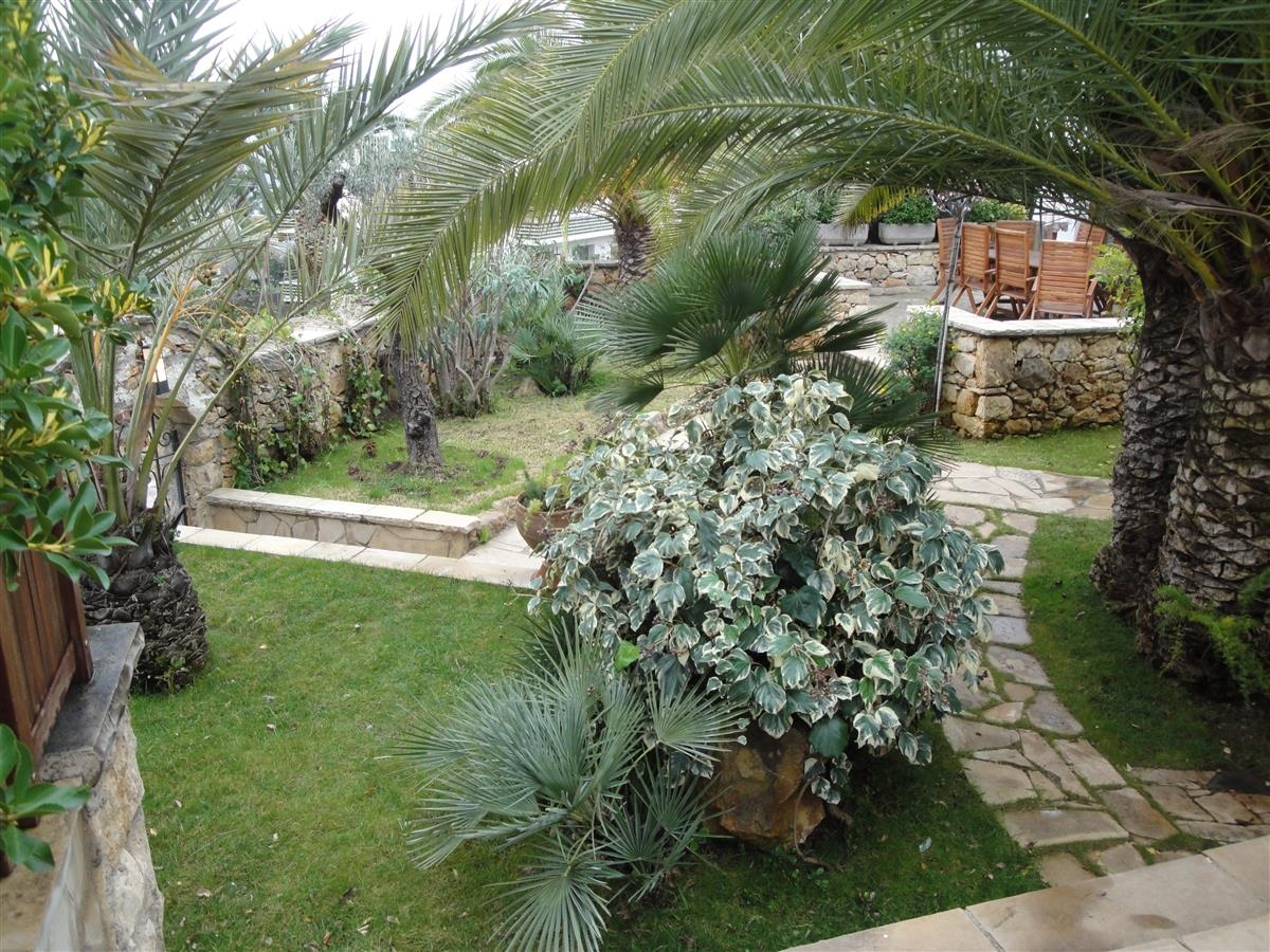 View of the front private garden