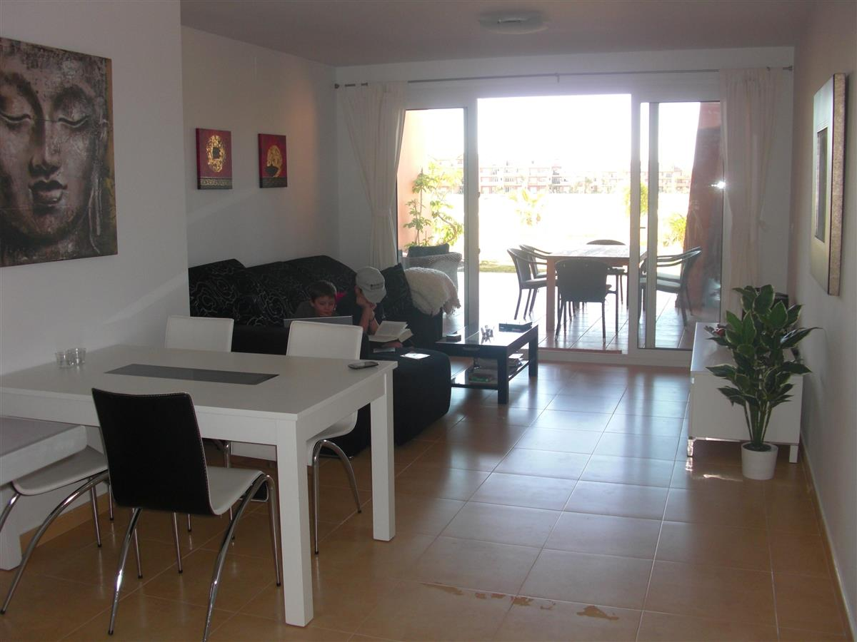 living room with dinning table, 4-8 persons