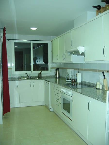 Fully-equipped, spacious and modern kitchen