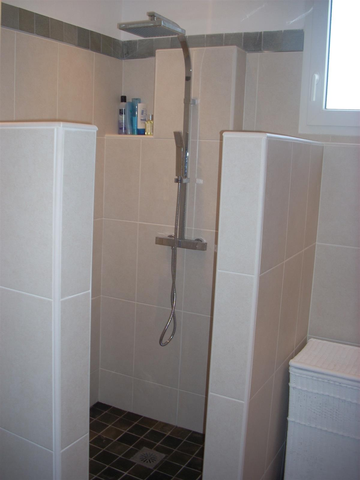 Large walk in shower, family bathroom, Thermostatic heated control