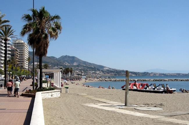 Fuengirola boulevard and beach