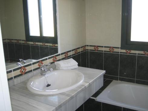 Main bathroom enuit with bath/shower/toilet and bidet
