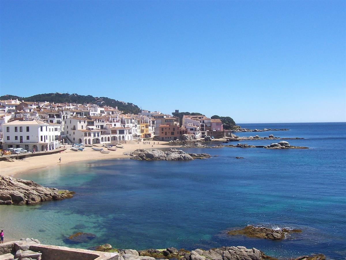 Beautiful view on Calella de Palafrugell in the spring !!