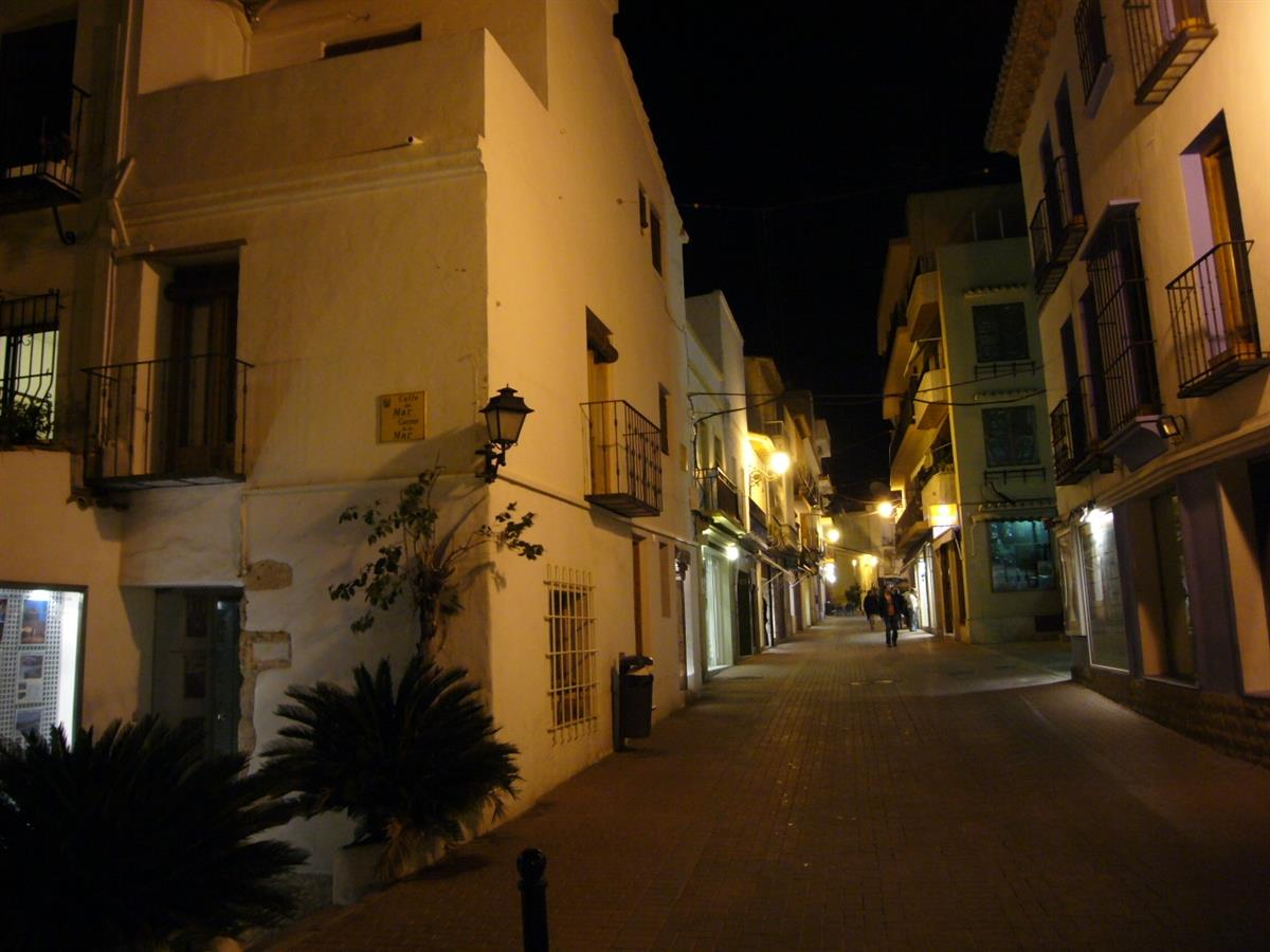 Moraira - evening scene (street from marina to main square)
