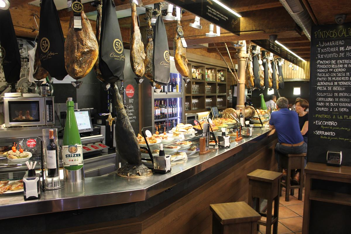 Best tapas bars in pamplona for Cuisine bar tapas