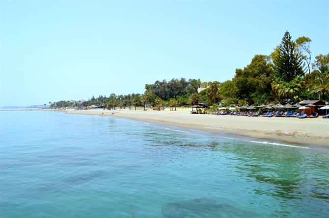 Der Luxusstrand in Marbella: Playa Nagüeles