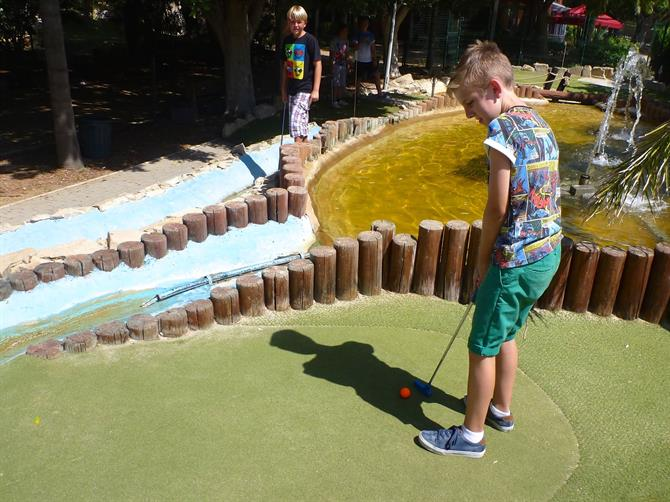 Minigolf with Kids