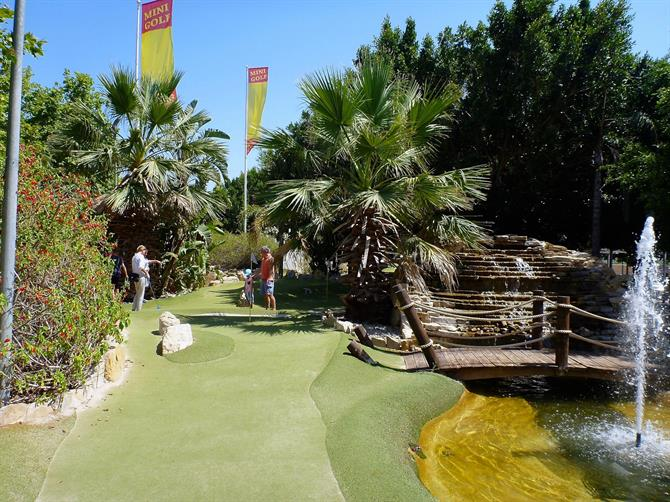 Mini golf in Empuriabrava