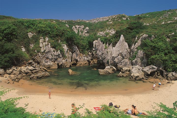 Gulpiyuri; a secret beach in Asturias