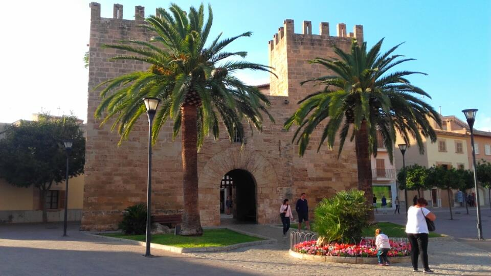 Things to do in Alcudia and Puerto de Alcudia Spain Holiday