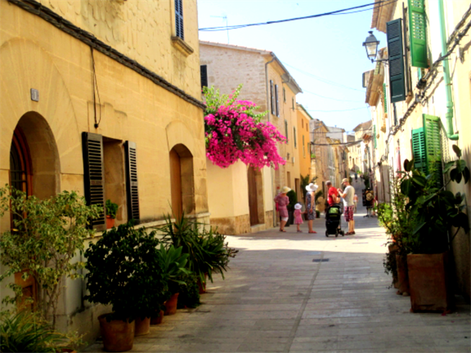 Side Streets, Alcudia