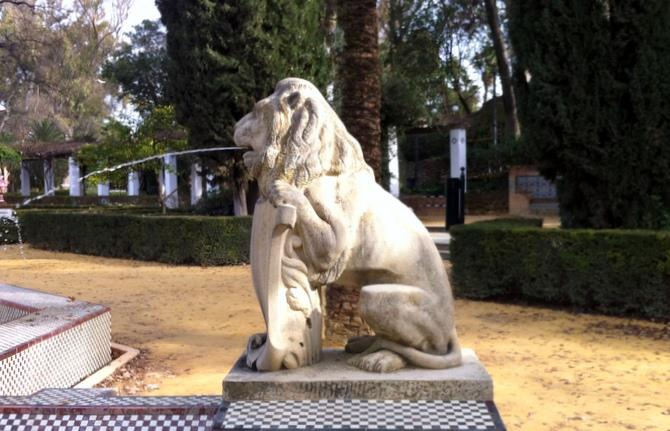 Ornamental lion, Maria Luisa Park