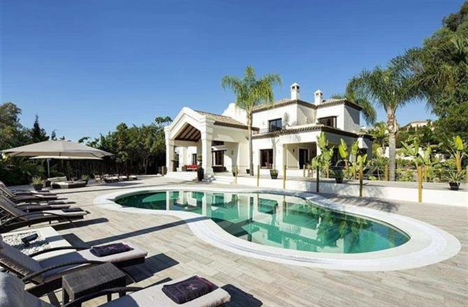 Property 22834: Mansion in Marbella, Malaga