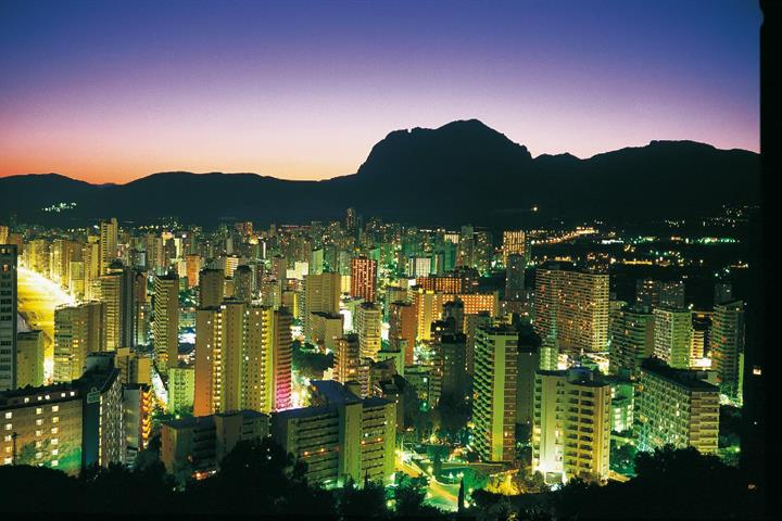 Sampling Benidorm's nightlife