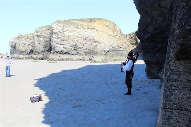 Gaiteiro at Cathedrals Beach