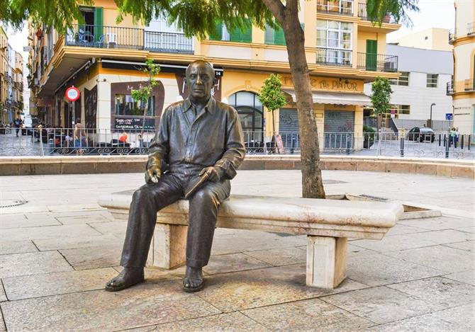 Statue of Picasso in Plaza de la Merced