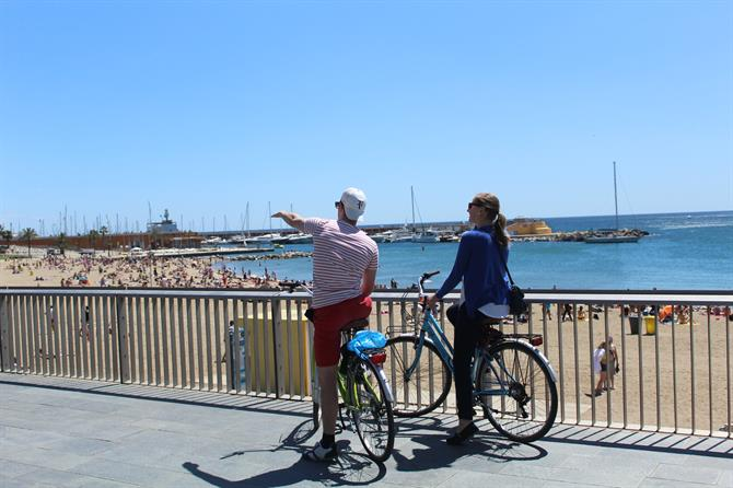 By bike along the Barceloneta promenade - Barcelona