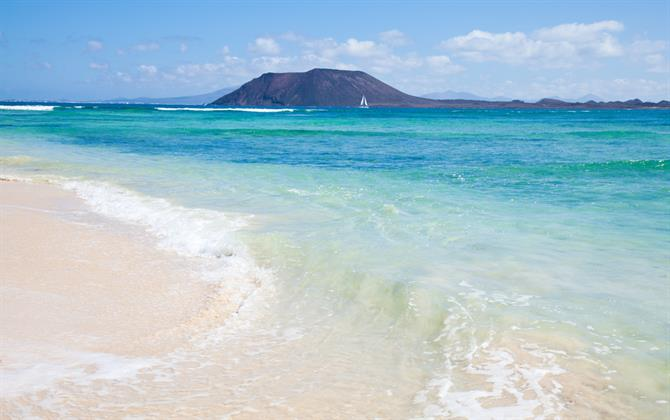 Best Beaches in Canary Islands - Corralejo beach (Fuerteventura)