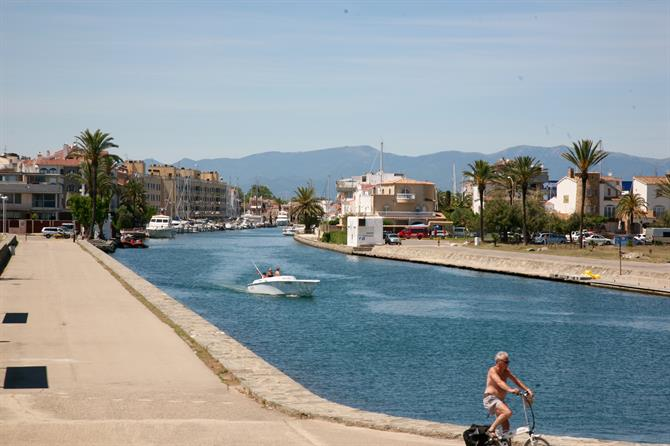 Kanal in Empuriabrava, Costa Brava