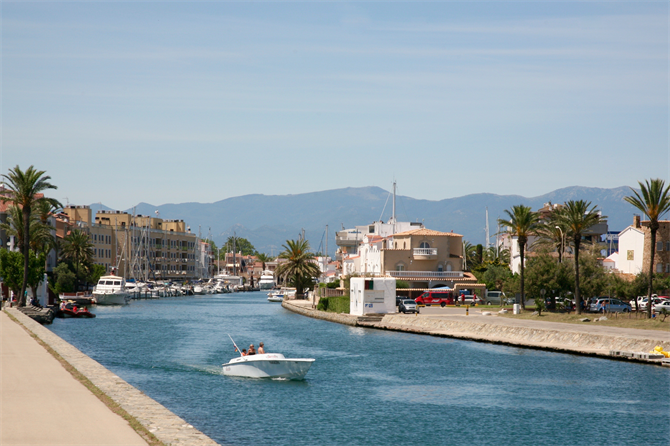 Canals of Empuriabrava, Costa Brava
