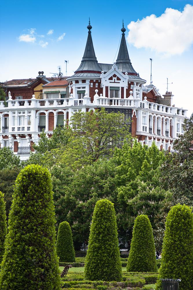 Spring is the perfect time for a great city break in madrid for Parques de madrid espana