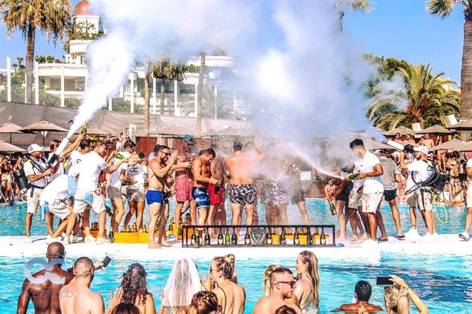 Ocean Clubs Champagne Party i Marbella