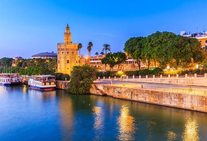Torre del Oro in Seville on the banks of the Guadalquivir
