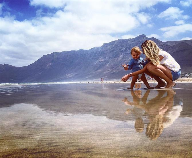 Lanzarote with children, Famara Beach