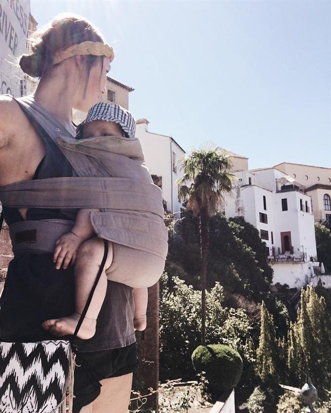 The baby carrier is the best friend of the parent