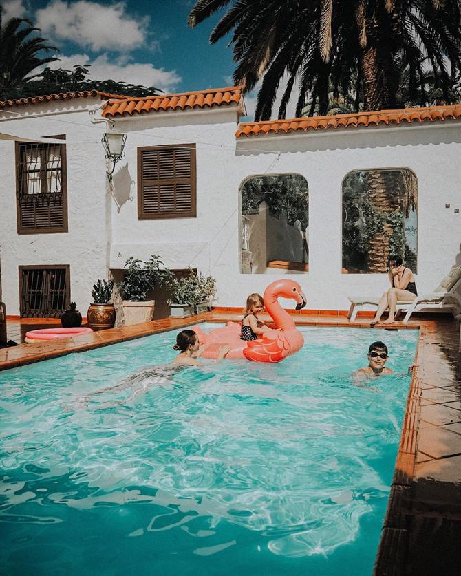 Family in the pool, Gran Canaria