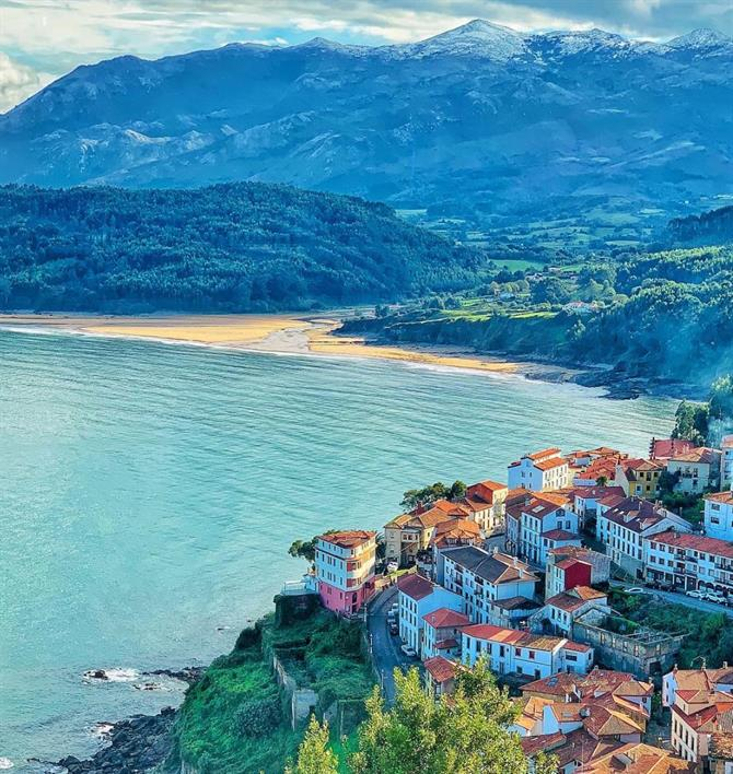 The beautiful village of Lastres and Playa de la Griega