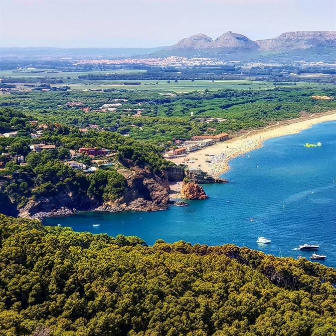 In Sa Riera you can choose from a plethora of beaches