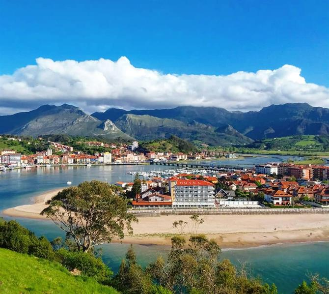 Ribadesella is located between the sea and the mountains
