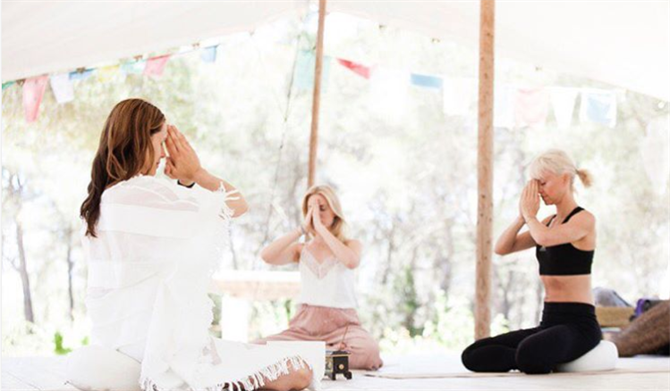 Yoga Rosa Retreats på Ibiza
