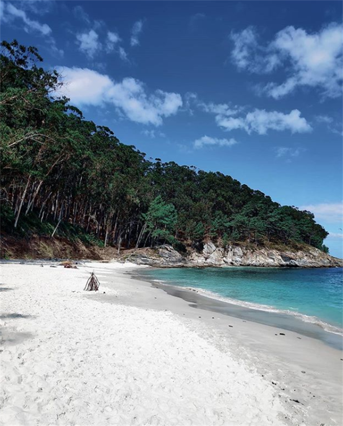 Beautiful white sandy beach on the Cíes Islands