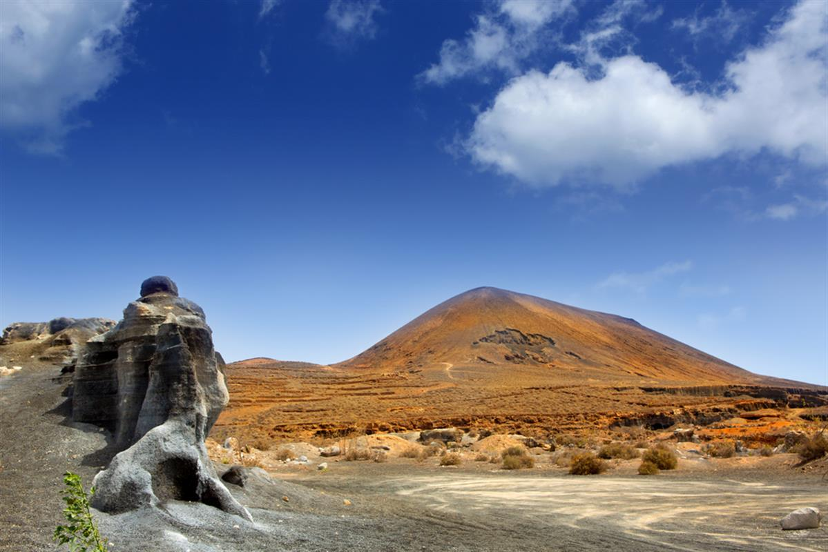 five great lanzarote hikes. Black Bedroom Furniture Sets. Home Design Ideas