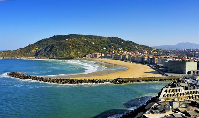 Zurriola beach and behind the mountain Ulía, San Sebastian