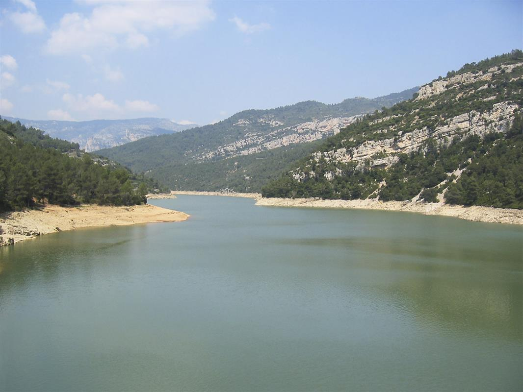 10 Great Lakes And Reservoirs In Spain