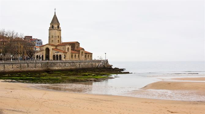 Gijon church on the beach of San Lorenzo, Asturias