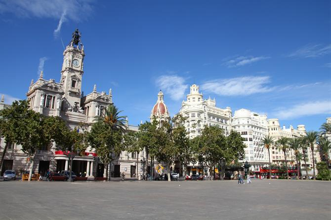 Valencia - square and city hall