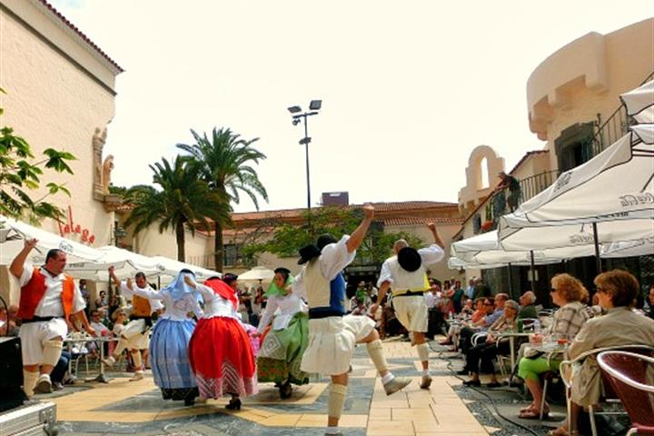 Come Dancing in Las Palmas de Gran Canaria, Pueblo Canario's Folk Performances