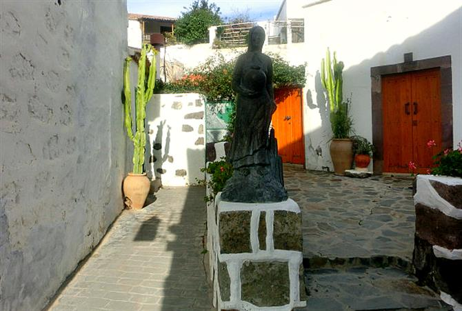 Tejeda Sculpture