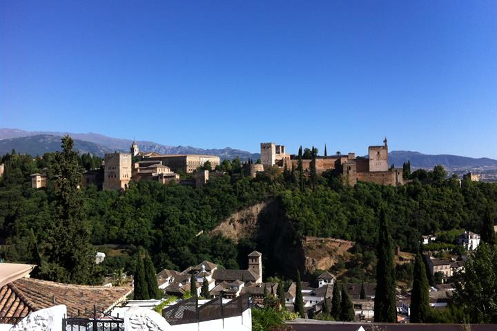 The Carmens of Granada - A room with a view