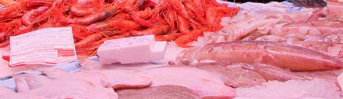 Fresh fish and prawns in the market