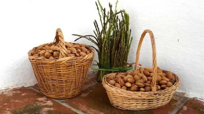 Baskets of almonds and asparagus (Spain)