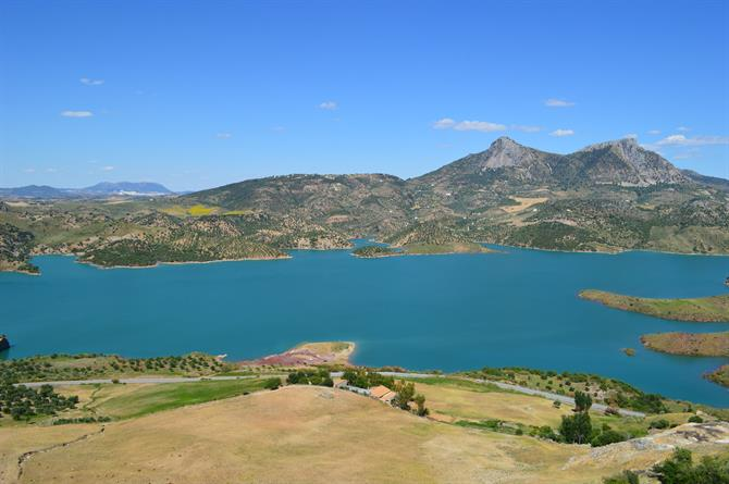 View of Zahara de la Sierra's embalse
