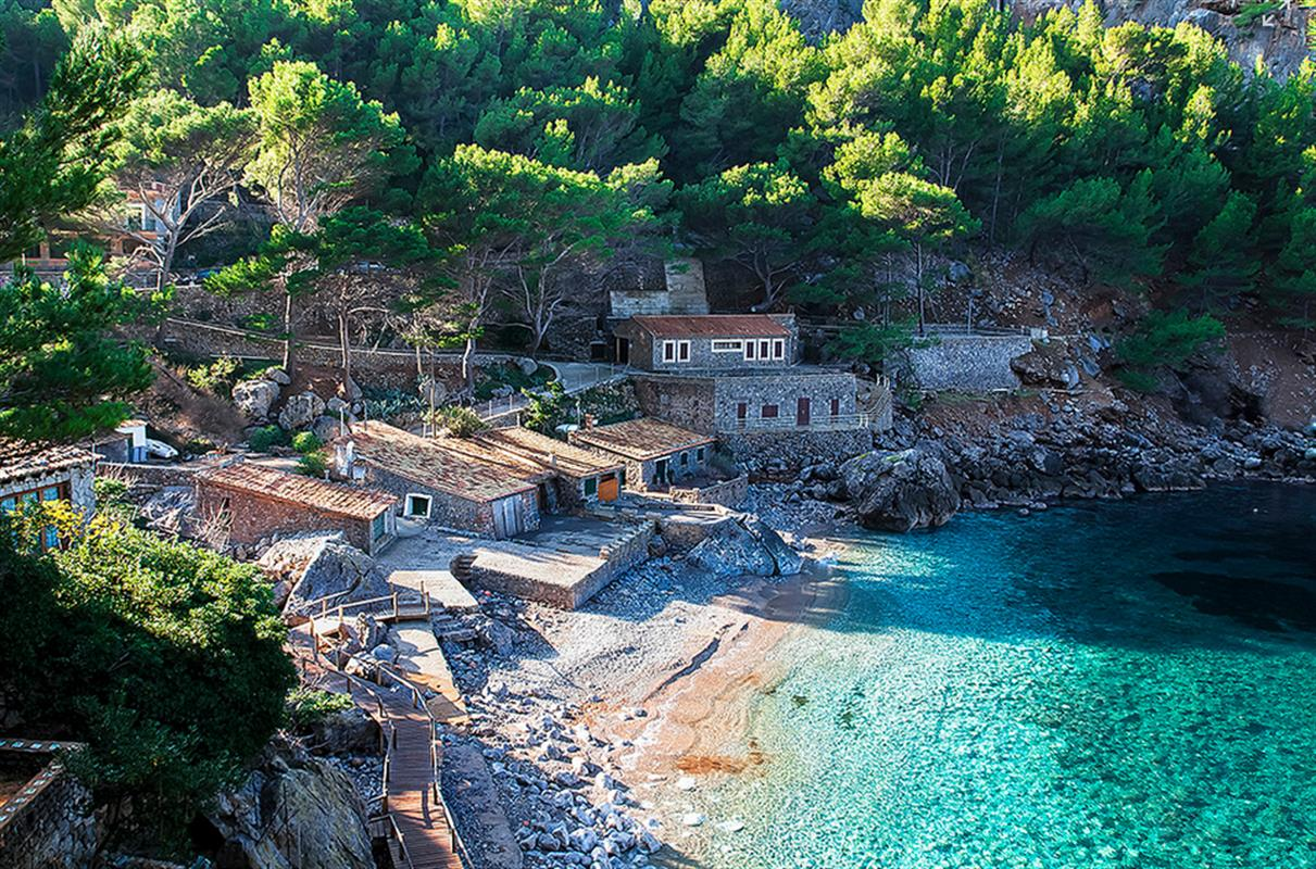 the most beautiful coves in mallorca informations photos and map. Black Bedroom Furniture Sets. Home Design Ideas
