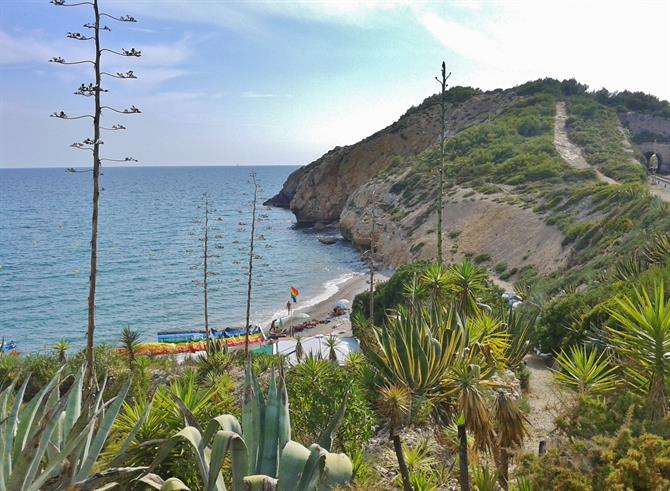 "Plage ""Gay friendly"" Cala de l'Home Mort, Sitges - Catalogne (Espagne)"